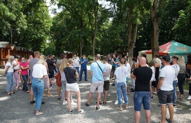 В областном центре Закарпатья владельцы ресторанов и баров возмущены новыми карантинными ограничениями