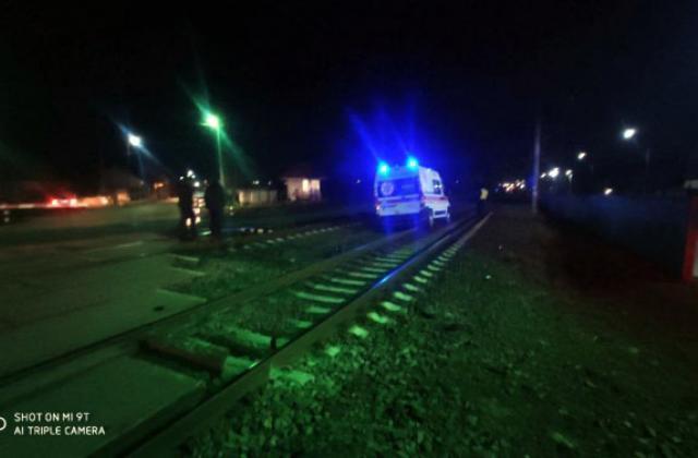 """Жорстка ДТП в Закарпатті: Швидка допомога потрапила під потяг, """"передок"""" авто розтрощений вщент"""