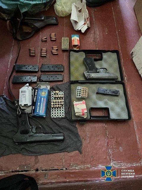 СБУ накрыла контрабандный канал поставки огнестрельного оружия из США в Украину