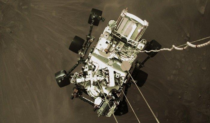 Марсоход NASA Perseverance прислал на Землю впечатляющие фото поверхности Красной планеты