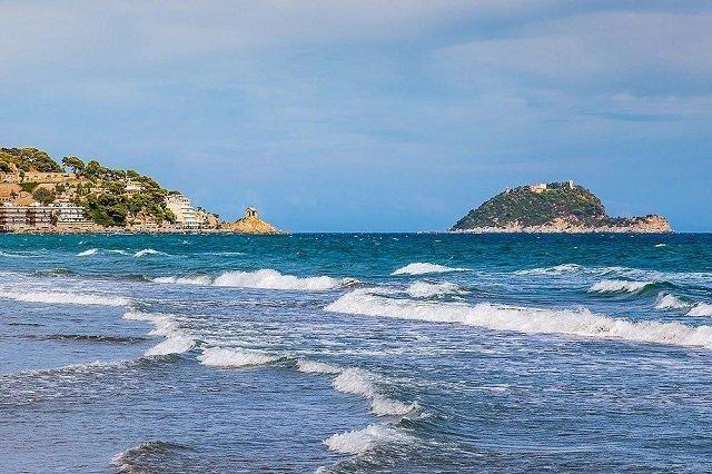 Сын президента Мотор Сичи Богуслаева может лишиться острова в Италии