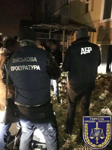 Львського інспектора патрульної поліції викрито на 1200 доларів хабара