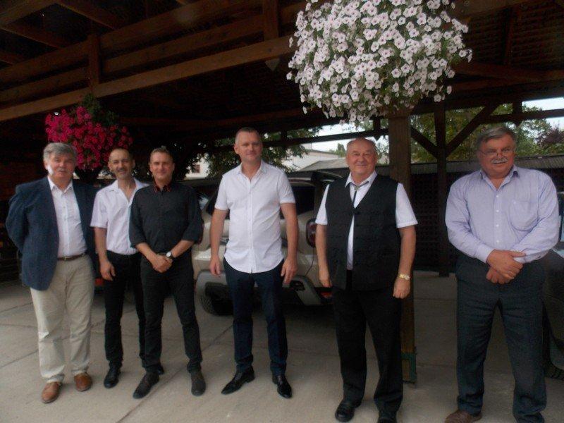 У Берегові за участі місцевої еліти та дипломатів презентували ще один ресторанно-дегустаційний зал