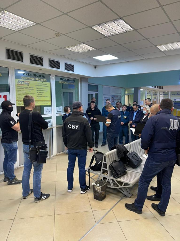 На границе в Закарпатье крупная спецоперация: Произведено два ареста