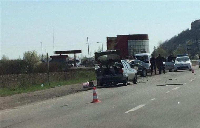 Автомобили повреждены существенно