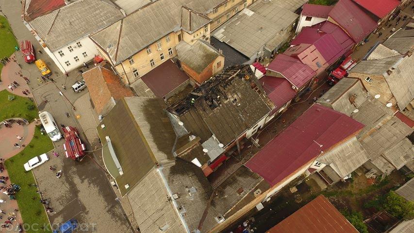"""В Закарпатье очевидцам удалось заснять с высоты как пылает """"Челентано"""""""