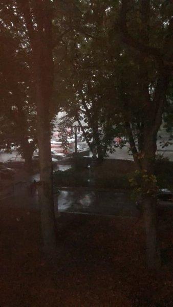 В Киеве начался апокалипсис: Свирепая буря утопила город за несколько минут