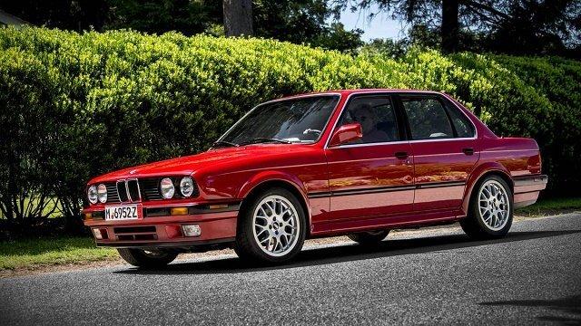 ТОП-3 доступных моделей авто для любителей дрифта (BMW 3-Series E30)