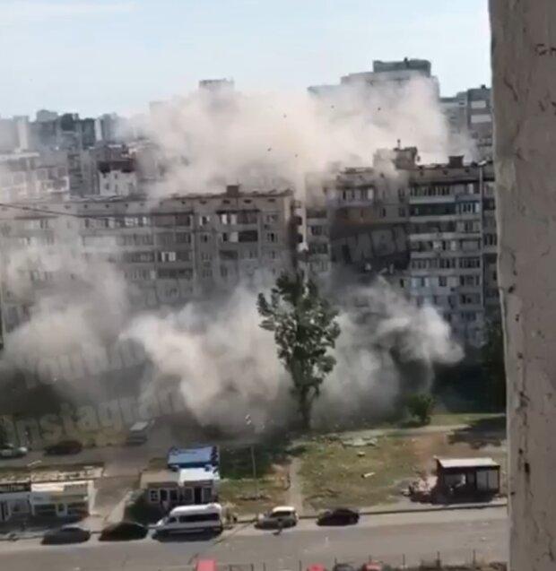 В Киеве на Позняках мощный взрыв газа в многоэтажном доме