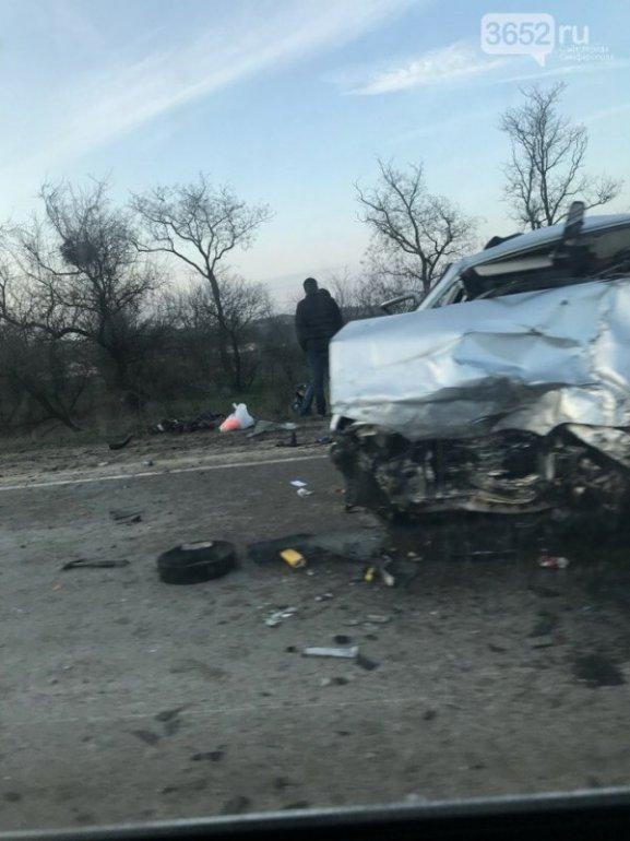 Страшное ДТП в Крыму: погибло семь человек, среди которых трое детей