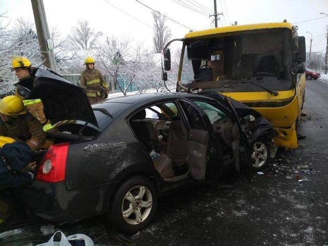 Сегодня в Мариуполе случилось смертельное ДТП, еще восемь человек попало в больницу