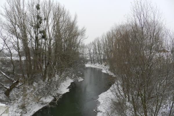 Село Вары (население - 3147 человек) находится в 11 километрах к югу от Берегово