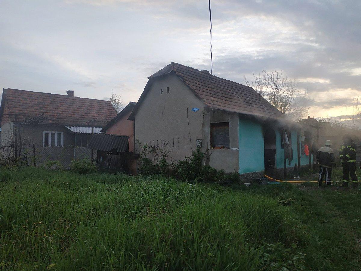 В Закарпатье жилой дом пронзила молния
