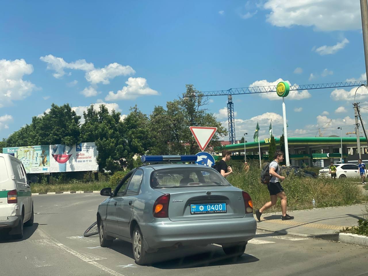 В Ужгороде работник полиции спровоцировал ДТП с пострадавшим
