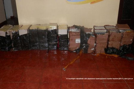 70 пакетов с табачными изделиями в трех частных домах в Виноградовском районе