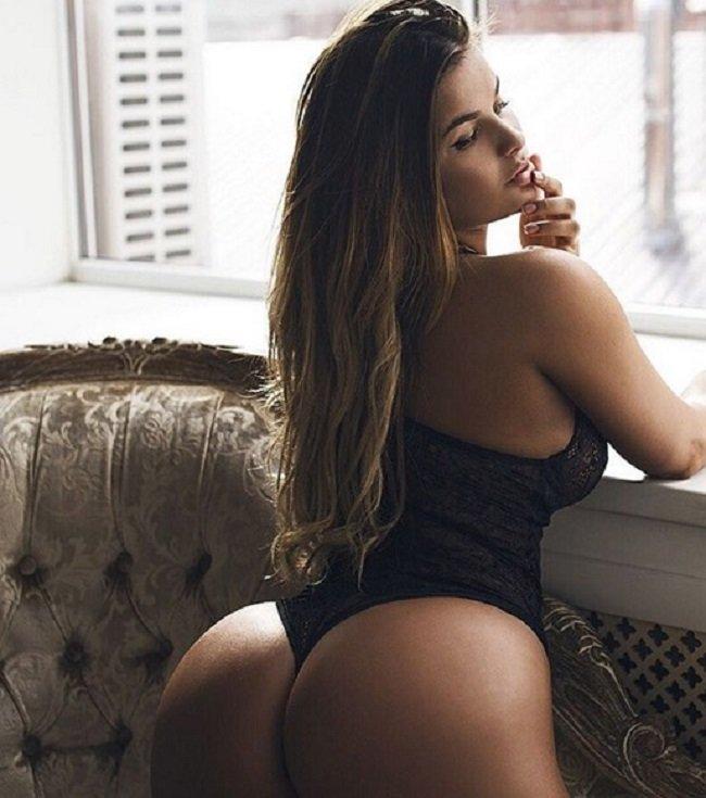 porno-s-pishnimi-devushkami
