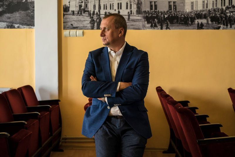 Berehove's ethnic Hungarian mayor, Zoltan Babek, whose wife has received a Hungarian passport, said no one is agitating for his town to rejoin Hungary