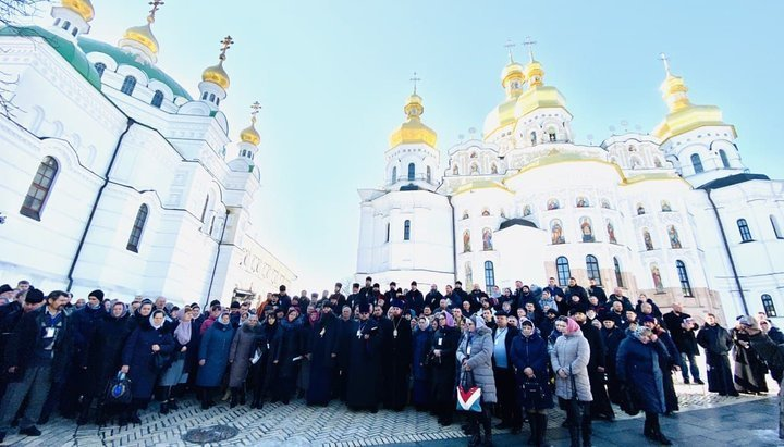 Съезд верующих захваченных храмов УПЦ обратился к Раде, Президенту, Кабмину