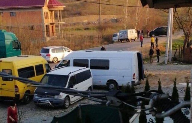 В Закарпатье микроавтобусы устроили довольно серьезное ДТП