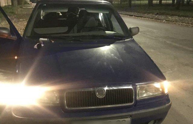 В центре Ужгорода остановили странный автомобиль - нервы пассажира выдали всех с потрохами