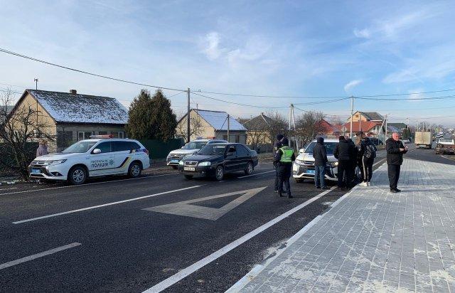 Появились фото с места ДТП на выезде из Ужгорода
