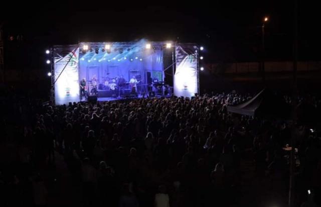 Венгерская рок-группа разорвала сцену бомбическим выступлением в Закарпатье