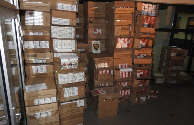 На границе Украины и Словакии таможенники обнаружили почти 2 млн штук контрабандных сигарет