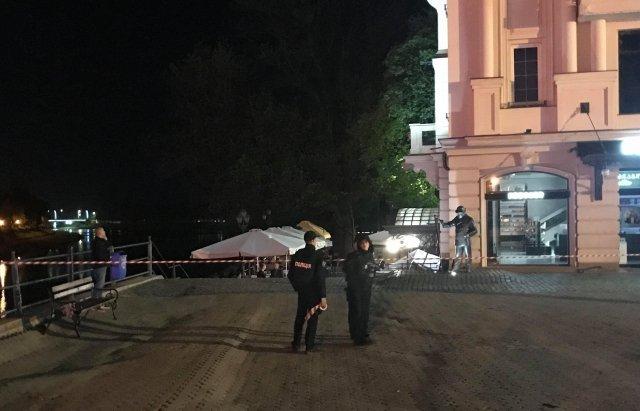 На Закарпатье полиция искала бомбу в ресторане скандального депутата
