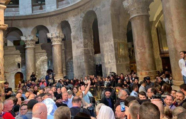 Мэр Мукачево приведет жителям Благодатный огонь из Храма Гроба Господня