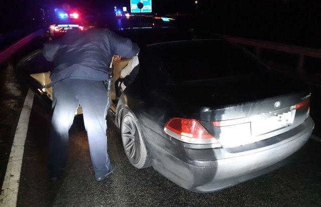 В Венгрии задержали украинцана BMW, перевозившего 6-х нелегалов из Сирии