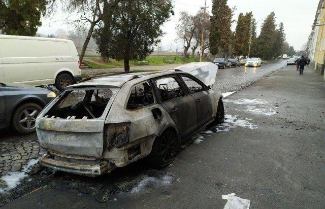 Машина, которую сожгли на набережной в Мукачево, жене активиста, о котором недавно говорили все в соцсетях