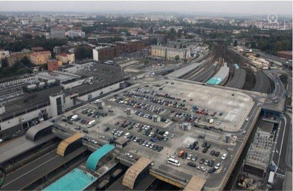 Парковка на крыше ТРЦ «Galeria Krakowska», Краков, Польша