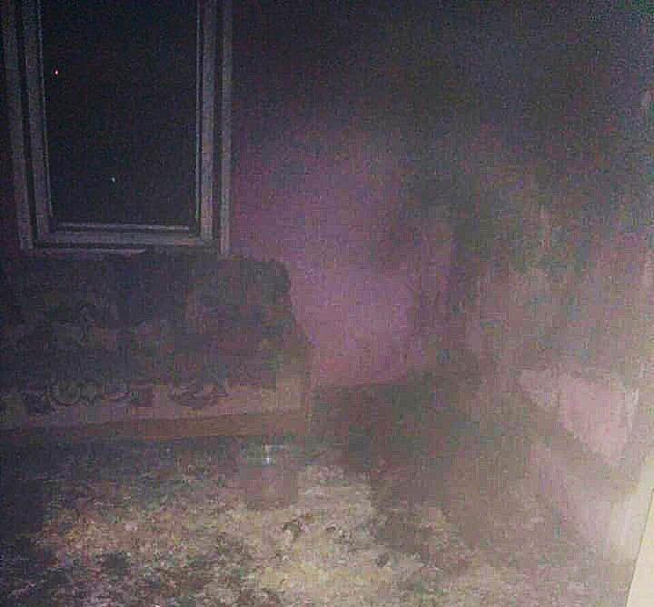 Бежала так, что пятки сверкали: В Закарпатье огонь охватил съемную квартиру, а дома никого