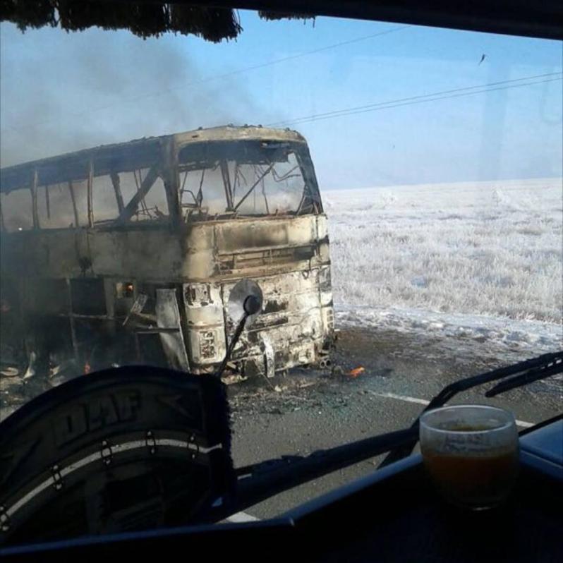 В Казахстане произошло возгорание пассажирского автобуса: более полсотни человек сгорели