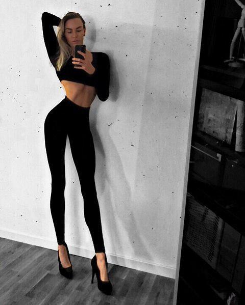 Шведская модель покоряет Instagram нереально длинными ногами