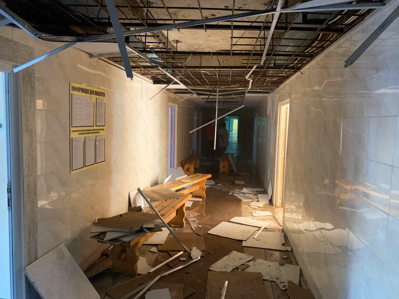 Журналист показал что творится внутри приемного отделения больницы, которая пылала в Ужгороде