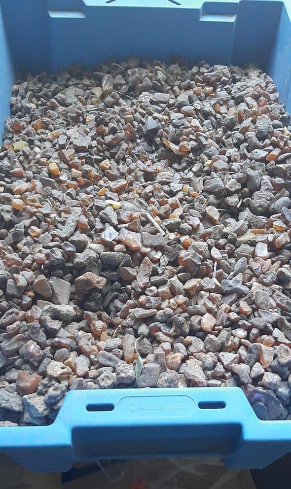 Массовые обыски в Закарпатье: Найдена масштабная контрабанда драгоценного камня