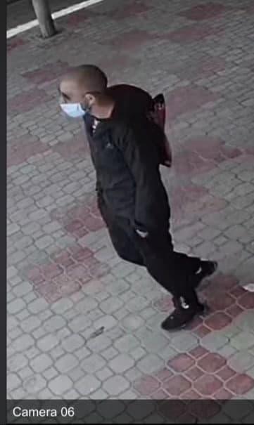 В Ужгороде просят помощи найди злодея, совершившего преступление на местном рынке