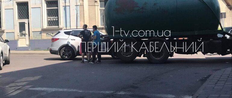 В самом центре Ужгорода из-за ДТП появилась пробка