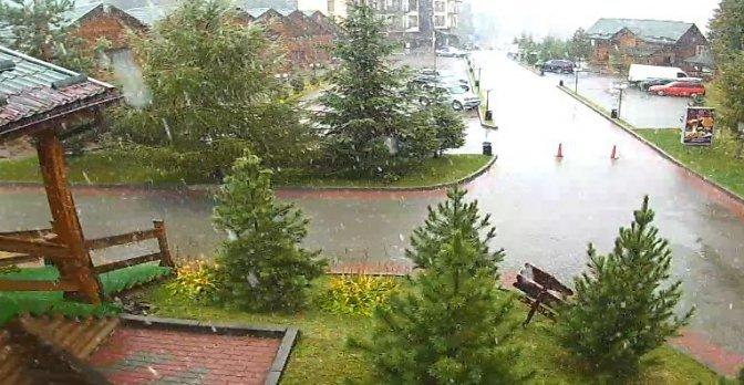 Буковель засипає снігом