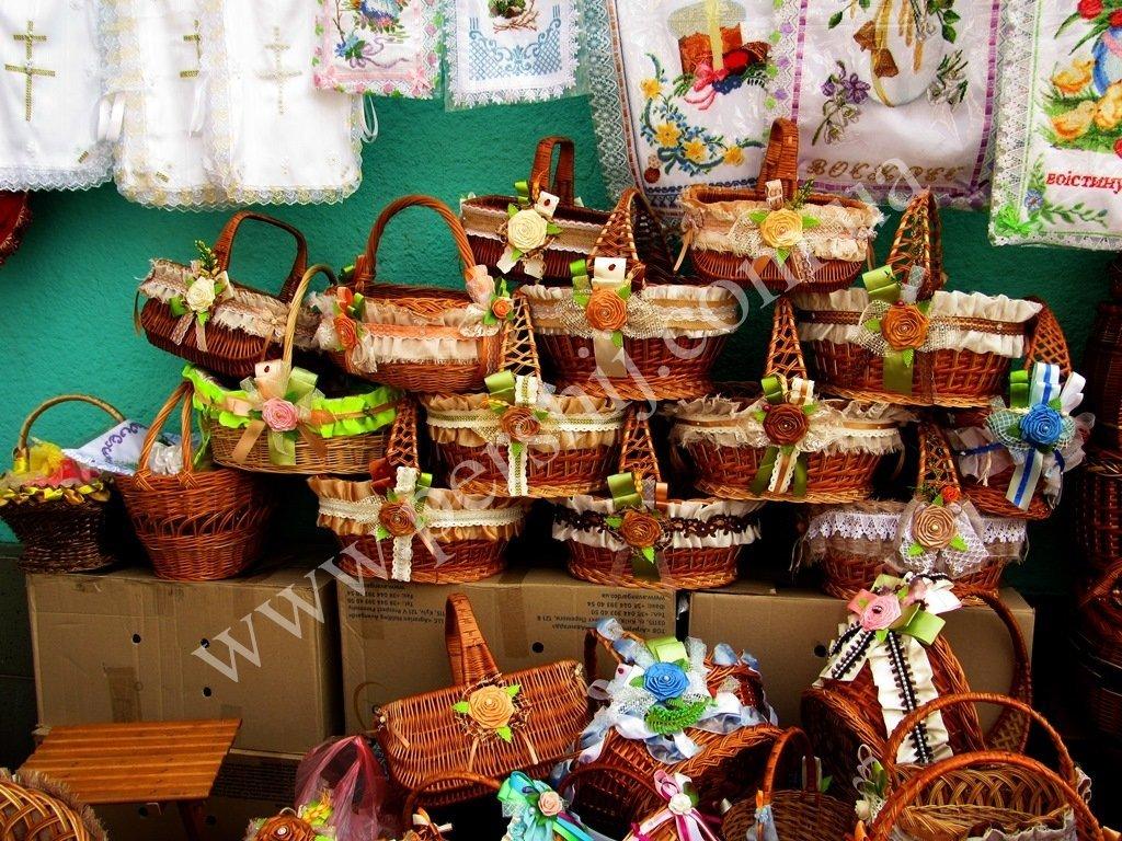 Как в Закарпатье изменились за год цены на пасхальные корзины