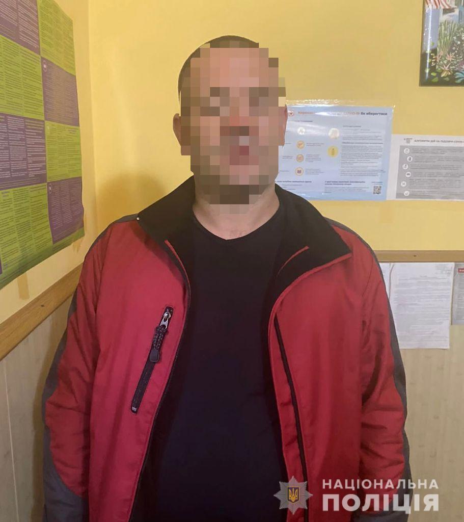 И смех, и грех: В Ужгороде полицейский автомобиль обстреляли с рогатки