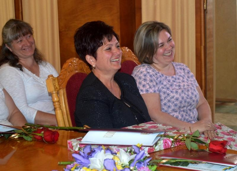 В Закарпатской ОГА поздравили многодетных матерей