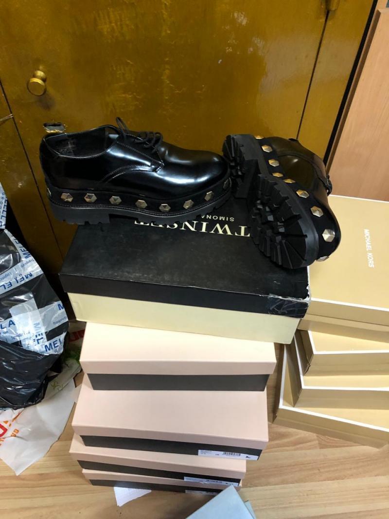 В Закарпатье изъяли более 60 пар обуви брендовой и дорогой обуви