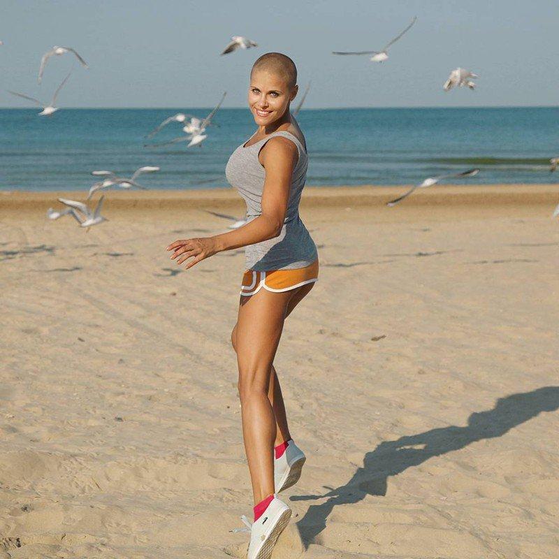 лысые девушки фото на пляже думаешь, если