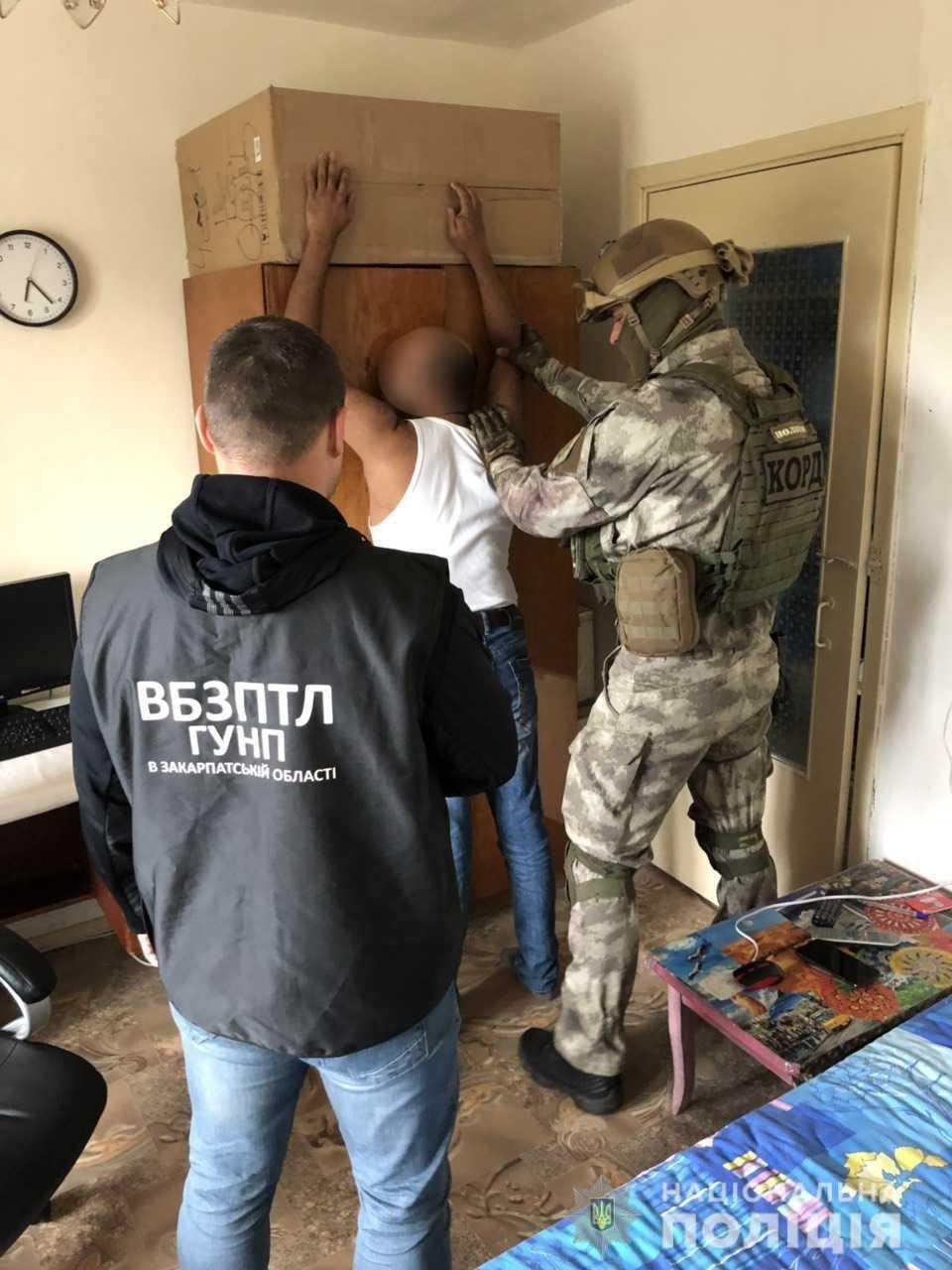 """В Закарпатье """"КОРД"""" раскрыли преступную группировку"""