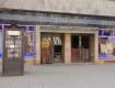 """Будівля кінотеатру """"Ужгород"""" у центрі міста перетворилася на сміттєзвалище"""