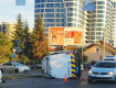 """Мікроавтобус правоохоронців не розминувся зі """"Шкодою"""" у місті Лева"""