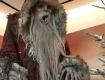 На просторах соцсетей Деда Мороза начали сравнивать чуть ли не с кровожадным маньяком