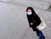 Владельцы магазина и полиция просят помочь разыскать наглую воровку шубы в Мукачево! (ВИДЕО)